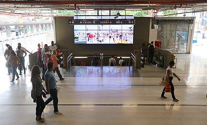 Estação da Lapa recebe mini-feira de refugiados nesta terça-feira (2)