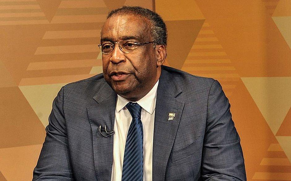 Ministro da Educação entrega carta de demissão; Planalto prepara anúncio da saída