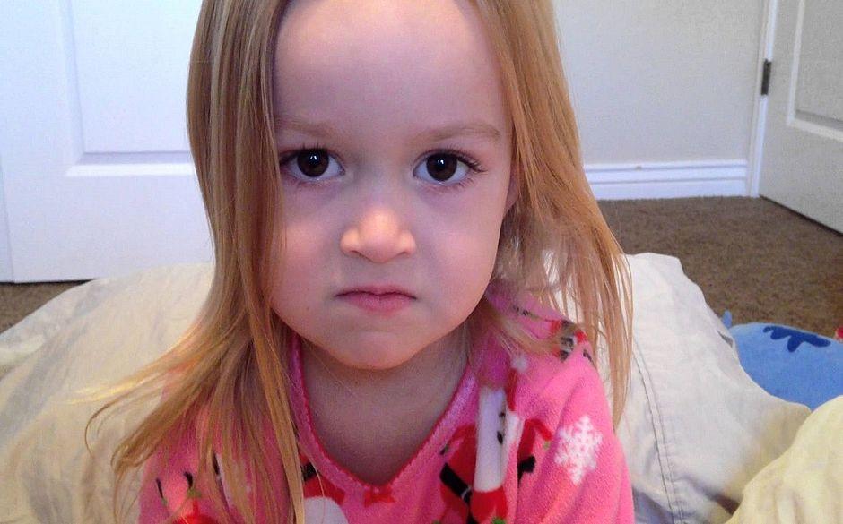 Chloe A Princesa Dos Memes Chega Ao Brasil E Ganha