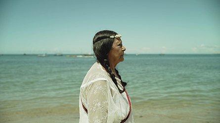 Gessy Gesse em cena do documentário Casa de Itapuã