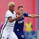... Aderllan recebeu cartão amarelo contra o Paraná e está fora do Ba-Vi  Vitória ... 319d1edbfa52a