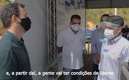 Vídeo: ACM Neto recebe apelo de comerciante: 'me sensibilizei'