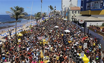 Foliões na Barra, em fevereiro de 2020