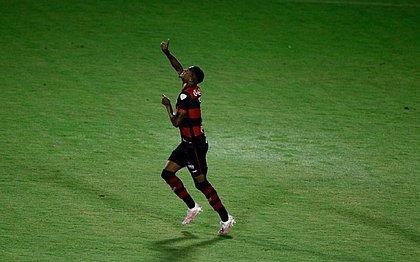 David abriu o placar para o Vitória contra o Rio Branco