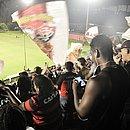 Torcida do Vitória no Barradão durante jogo contra o Oeste, pela Série B