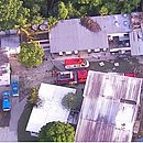 Veículos do Corpo de Bombeiros no centro de treinamento do Flamengo