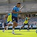 Goiás tem mais dois jogadores com covid-19 no elenco