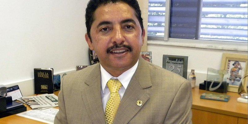 Polícia prende trio acusado de extorsãocontra deputado estadual na Bahia