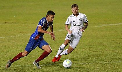Edson, que começou como titular do Bahia, é marcado por Sasha