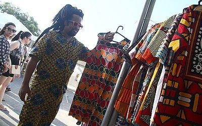 Carlos: tecidos importados da África