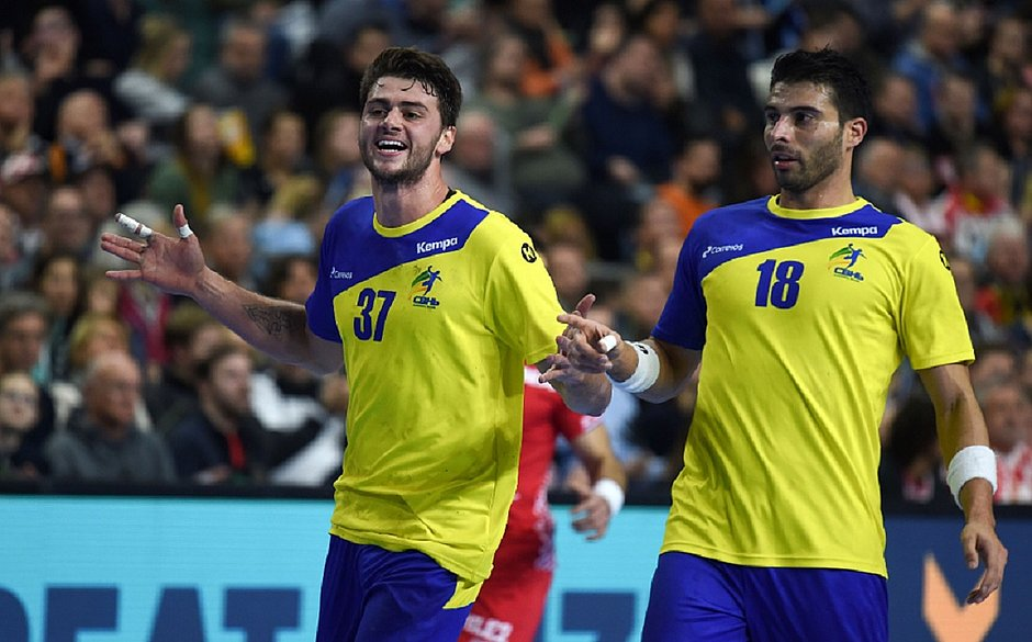 a60ee547ab Brasil faz história ao vencer Croácia no Mundial de Handebol - Jornal  CORREIO