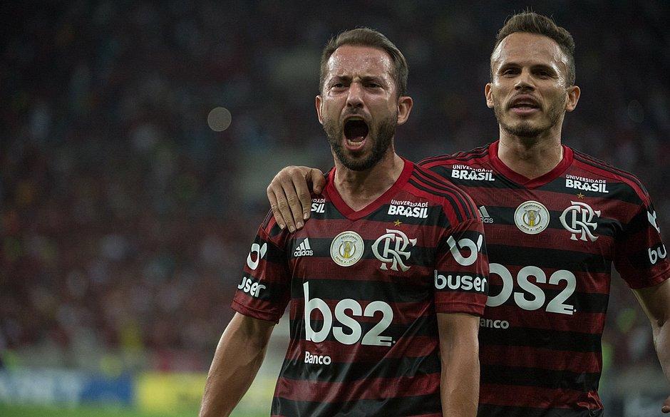 5fb5d86eae75e1 Em casa, Flamengo vence reservas do Grêmio por 3x1 - Jornal CORREIO ...