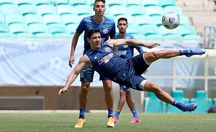Sem Rossi, machucado, Oscar Ruiz deve continuar entre os titulares do ataque do Bahia