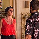 Luzia (Giovanna Antonelli) conta para Ícaro (Chay Suede) que é sua mãe