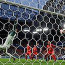 Umtiti foi o autor do gol que garantiu a classificação para a seleção francesa, que tenta seu segundo título mundial
