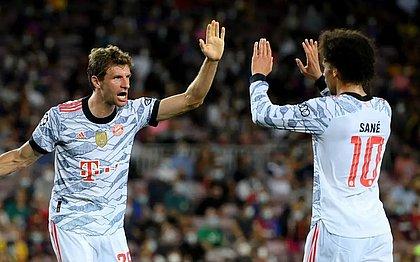 Müller e Sané comemoram vitória do Bayern