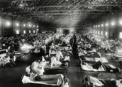 Hospital na base militar de Camp Funston, Kansas, nos Estados Unidos, durante gripe espanhola, em 1918