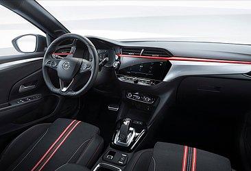 O interior do Corsa atual, de sexta geração, que é vendido na Europa