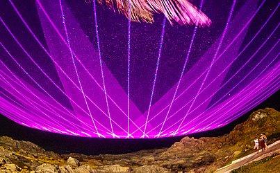 Porto Alegre, Belo Horizonte, Rio de Janeiro, Brasília e Goiânia também receberão projeção do laser colorido de Alok.