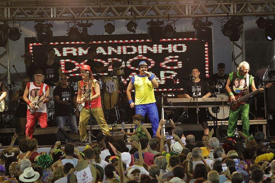 Folia raiz: Carnaval do Pelô tem homenagem aos 70 anos do trio elétrico