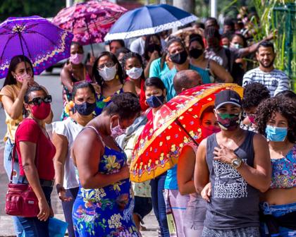 Salvador faz mutirão de 1ª dose e vacina até adultos não residentes na capital nesta quinta