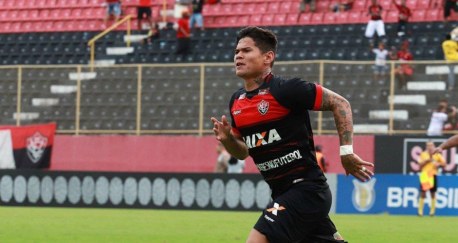 Léo Cerará marcou dois gols contra o Bahia, mais vai ser desfalque contra o Sport