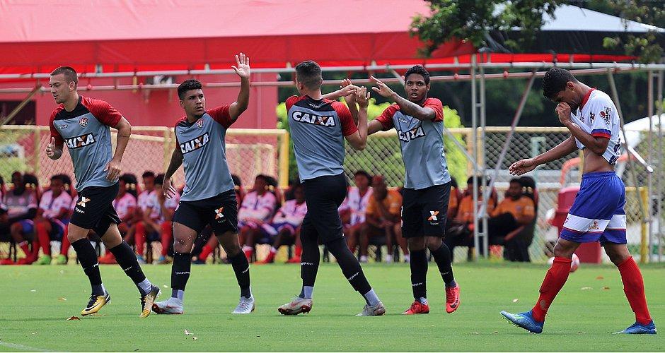 6ad37f1ff8dba Sub-23 do Vitória vence Bahia de Feira em jogo-treino - Jornal ...