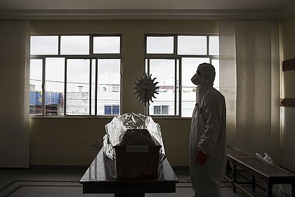 Cientistas projetam 2,5 mil mortes este mês na Bahia; São João e inverno podem piorar cenário