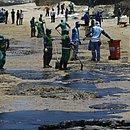 Servidores da Limpurb fazem mutirão da Praia da Pituba no dia 17 de outubro
