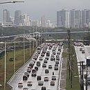 Avenida Paralela está entre as vias onde mais houve redução de multas