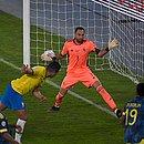 Casemiro sobe de cabeça e marca o segundo gol brasileiro