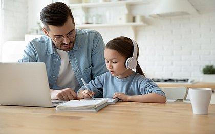 Alfabetizando em casa: 10 dicas para ajudar os pais na educação remota