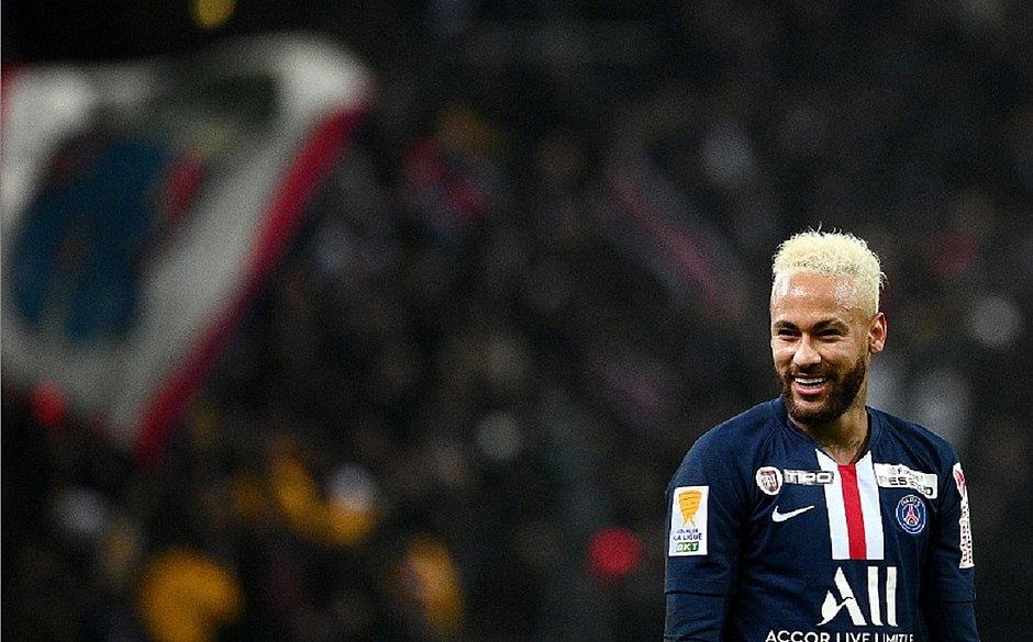 Neymar cancela festão de aniversário e web apelida: 'adulto Ney'