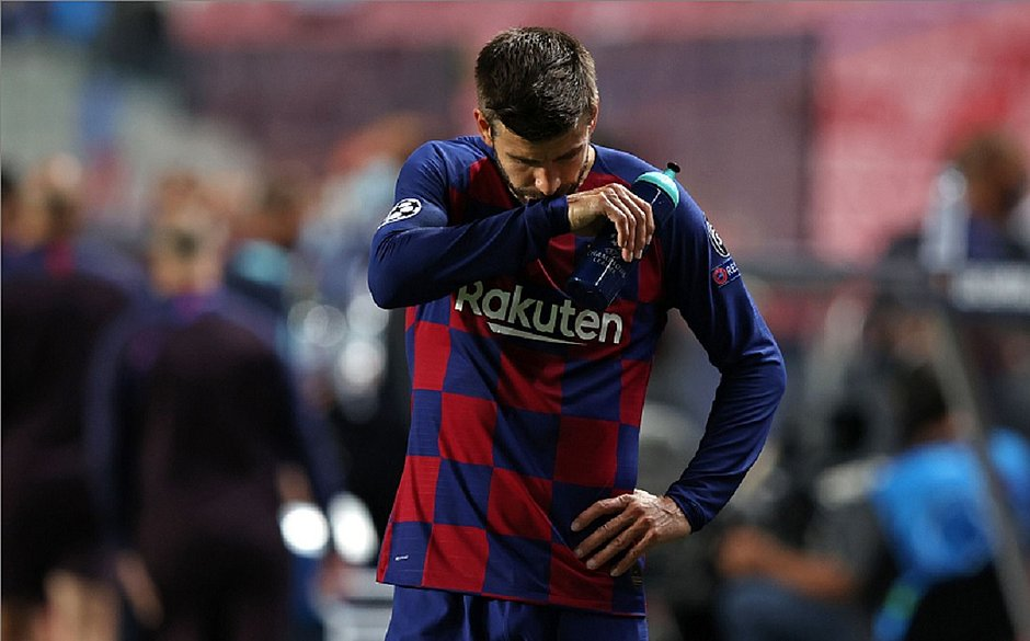 """Hoje foi algo inaceitável para o clube"", lamentou Piqué"