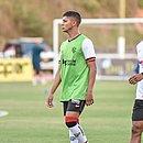 Gabriel Santiago renovou contrato com o Vitória por mais quatro anos
