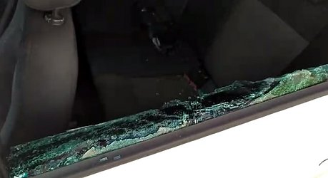 Vidro do carro de Raul foi quebrado por passageiro
