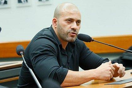 Em vídeo, Daniel Silveira diz que se excedeu e pede desculpa por atacar STF