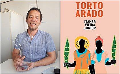Escritor Itamar Vieira lança livro neste sábado (24)