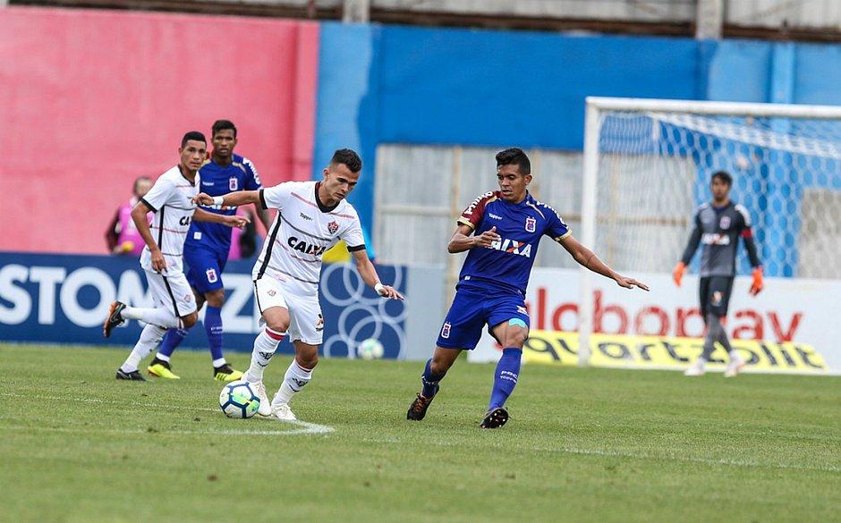 Leão saiu atrás e teve que lutar pelo empate (Geraldo Bubniak   Paraná  Clube) 8ce47946ace85