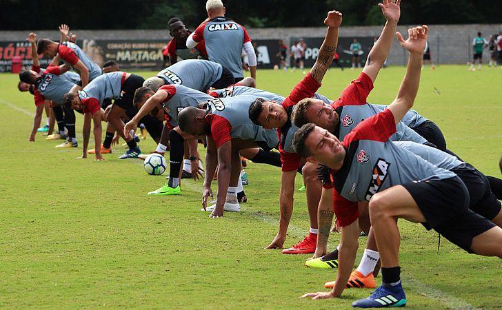 Em treino fechado, Mancini prepara o Vitória para o clássico