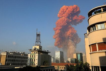 Forte explosão atinge Beirute, capital do Líbano; assista vídeos