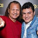 """Luís Cláudio e Popó se emocionaram no lançamento da série Irmãos Freitas: """"Chorei muito"""", confessou Luís"""
