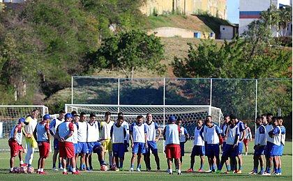 Bahia tem quatro mudanças na equipe titular em coletivo tático