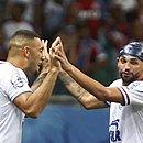 Fernandão e Gilberto: o primeiro termina o ano em baixa, o outro marcou 14 gols no Brasileirão