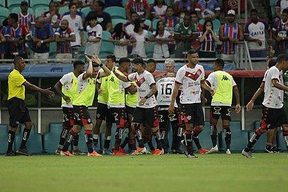 Rubro-negro liquidou a fatura com dois gols no primeiro tempo