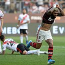 Gabriel comemora após marcar na final contra o River Plate