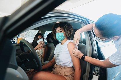 Vacinômetro: Bahia tem 7,6 mi de vacinados; 3,3 mi com imunização completa