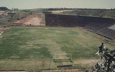 Em 1989, Barradão estava sem receber jogos há três anos