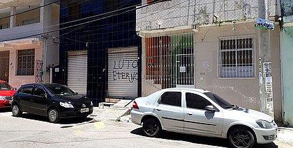 Parte do comércio não abre e escolas estão fechadas no São Gonçalo