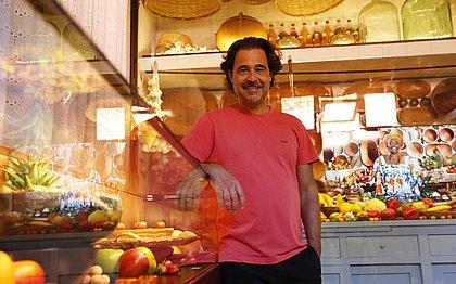 Autor lusófono visitou a Casa do Rio Vemelho, nesta terça-feira (31); ele é grande fã da obra de Jorge Amado